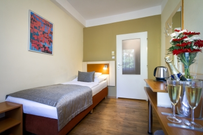Single room : Hotel Aida
